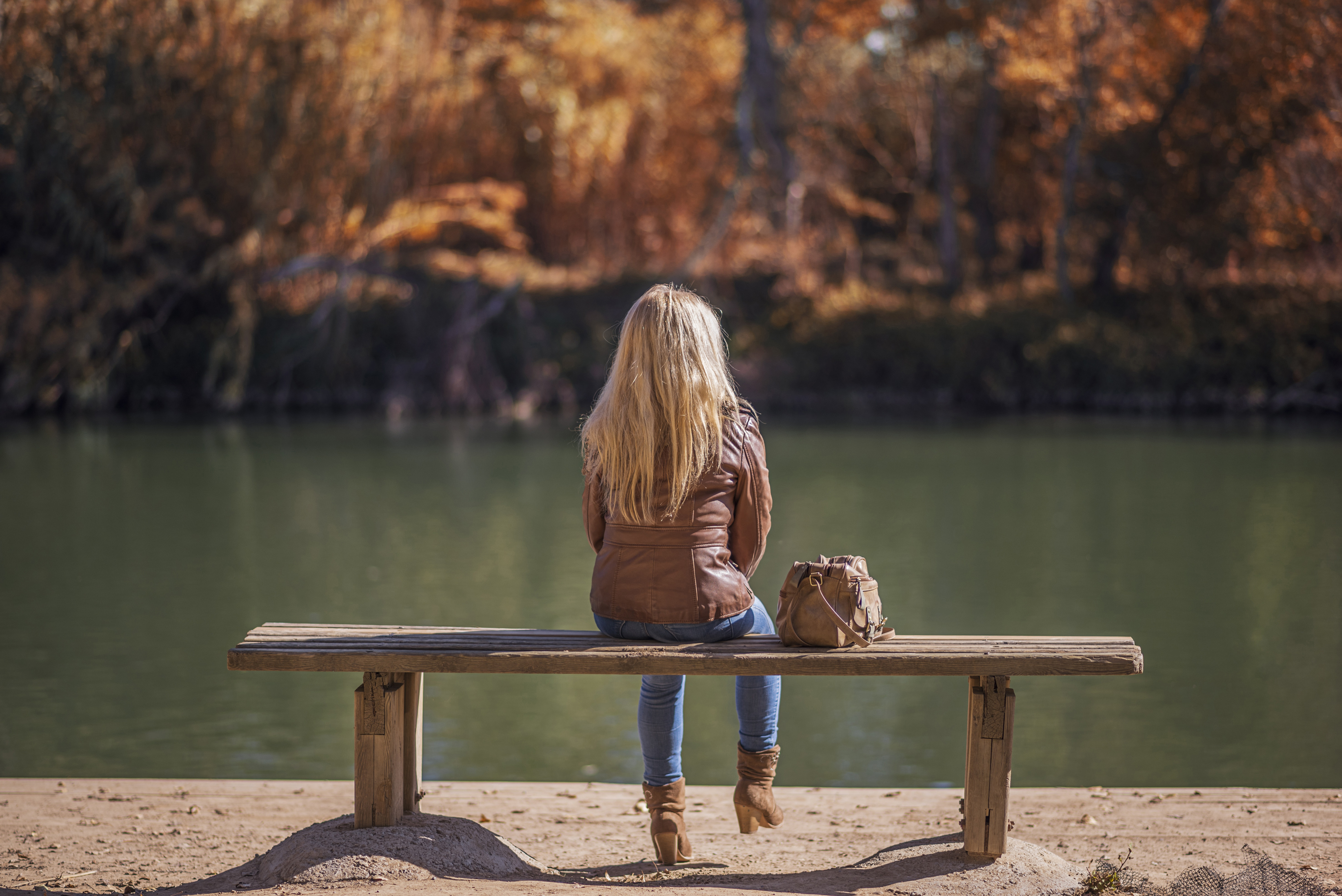 Alone girl,bench,women,lake