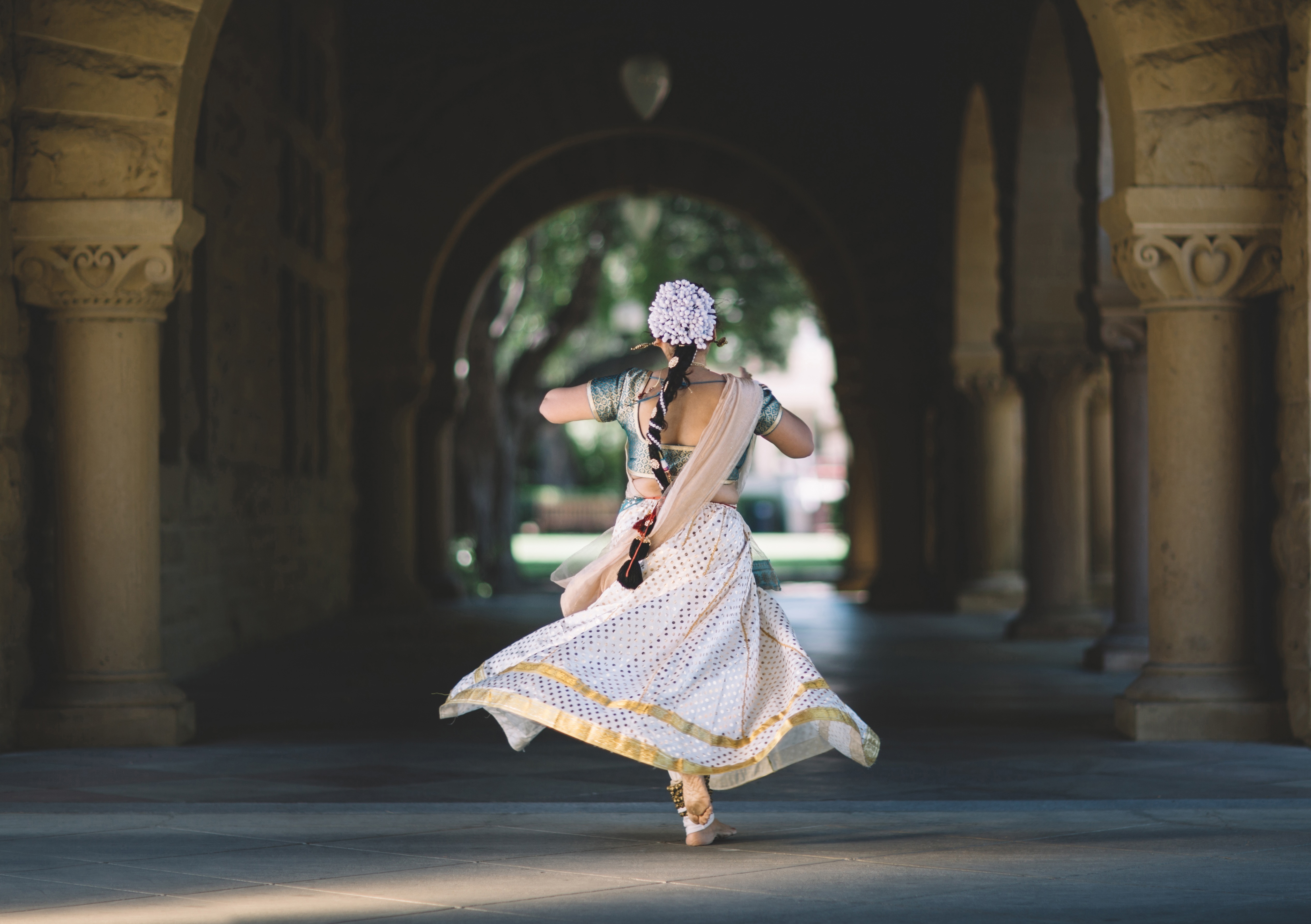 Dancing girl,art,tradition,city