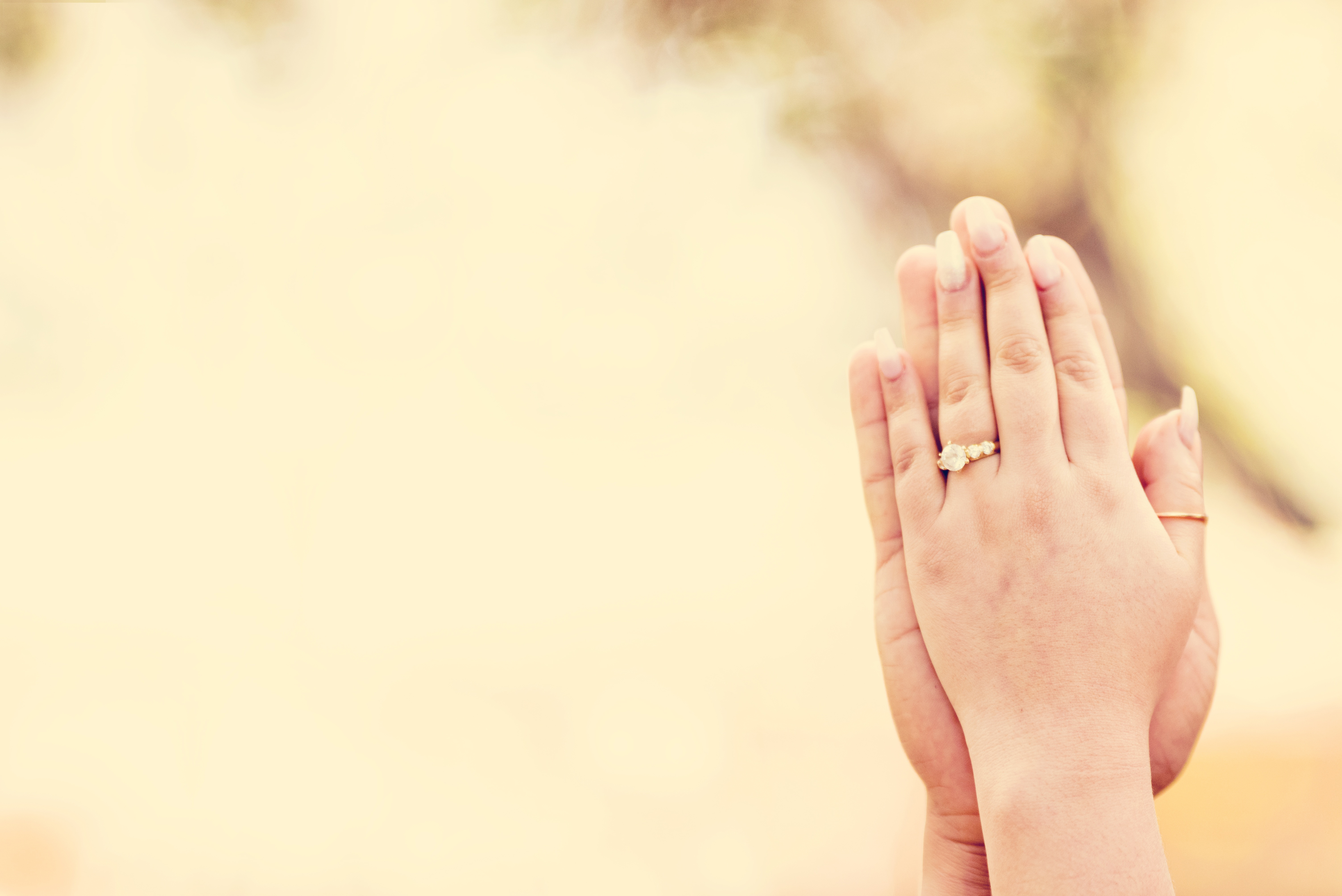 Hands,couple,love,together,lifestyle,ocean