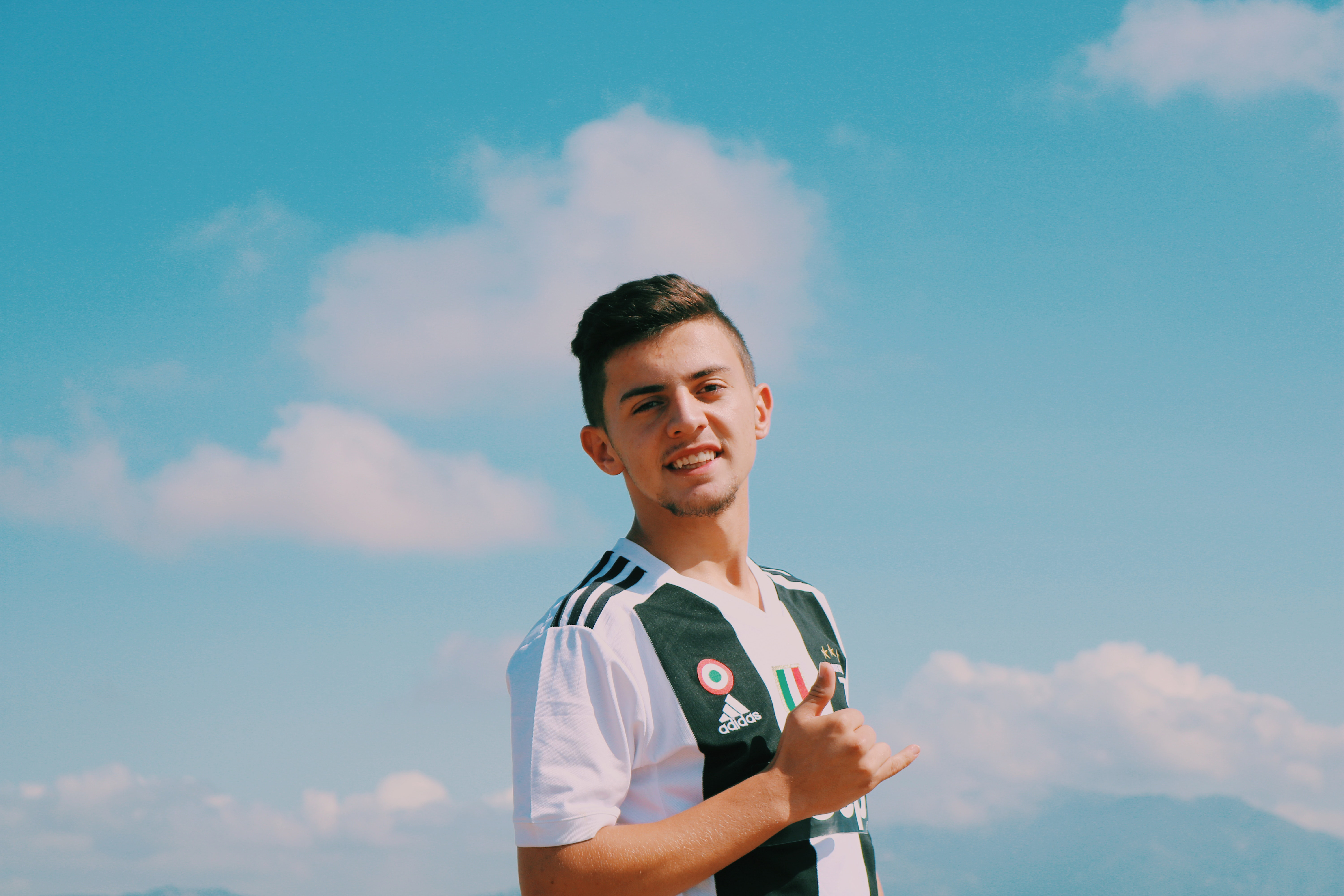 Young boy, smile, wear, sky